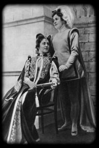 Оливия — М. Ф. Андреева, Виола — О. Л. Книппер. «Двенадцатая ночь» В. Шекспира. МХТ. 1899 г.