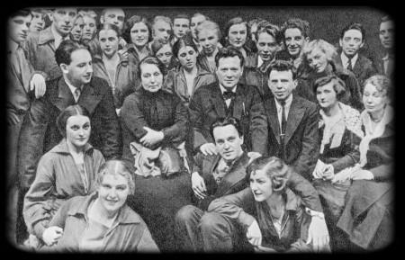 Студия А. Д. Дикого при Доме ученых. В центре: М. Ф. Андреева, А. Д. Дикий и В. О. Топорков.